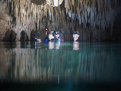 cavernas Foto 658759311